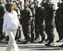 militares-Libano-Ministra-Defensa-EFE_LNCIMA20080429_0077_20