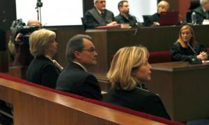 las-imagenes-del-juicio-a-artur-mas-joana-ortega-e-irene-rigau-por-la-consulta-del-9-n
